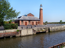 Ellesmere Port, Ellesmere Port Lighthouse, Cheshire © David Dixon